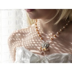 Pearl bridal necklace Peach...