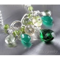 Grönt halsband smaragd...