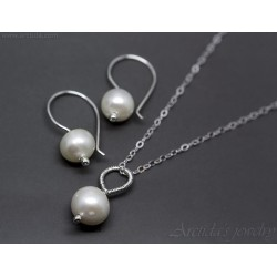 Pearl necklace and earrings...